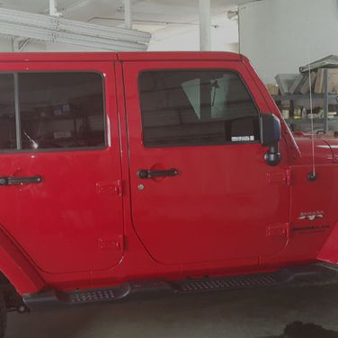 Red Jeep tint